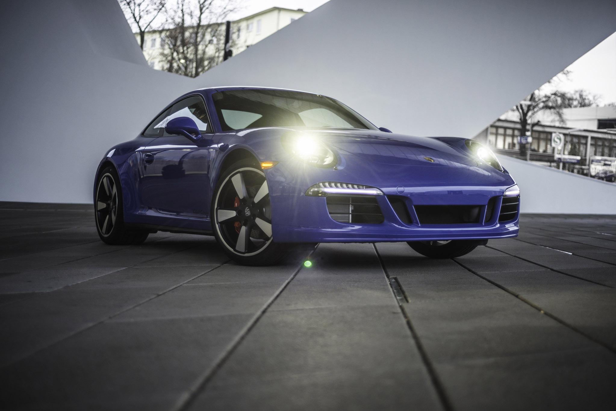 Porsche 911 GTS Club Coupe photo #2