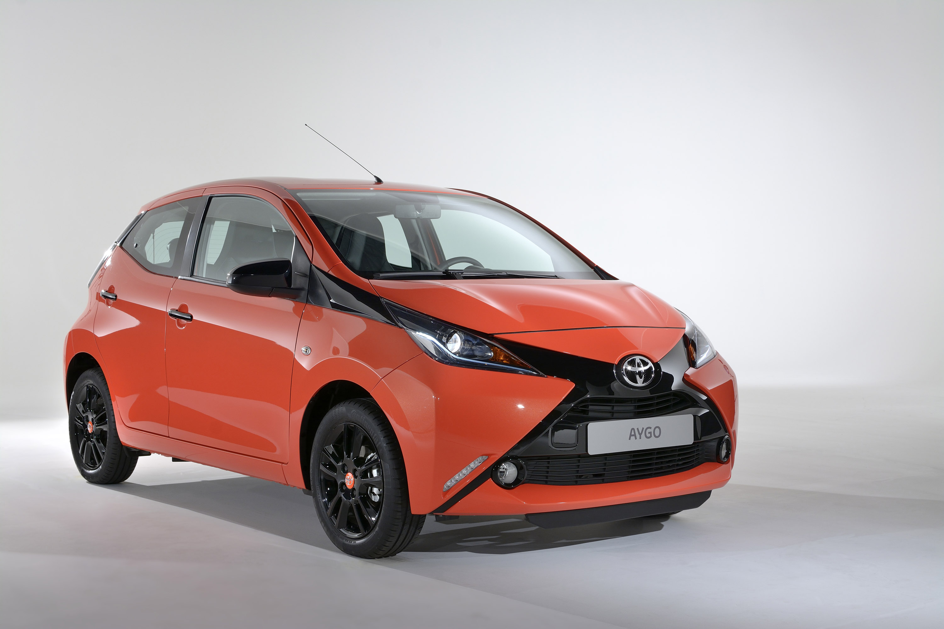 toyota aygo hd pictures  carsinvasioncom