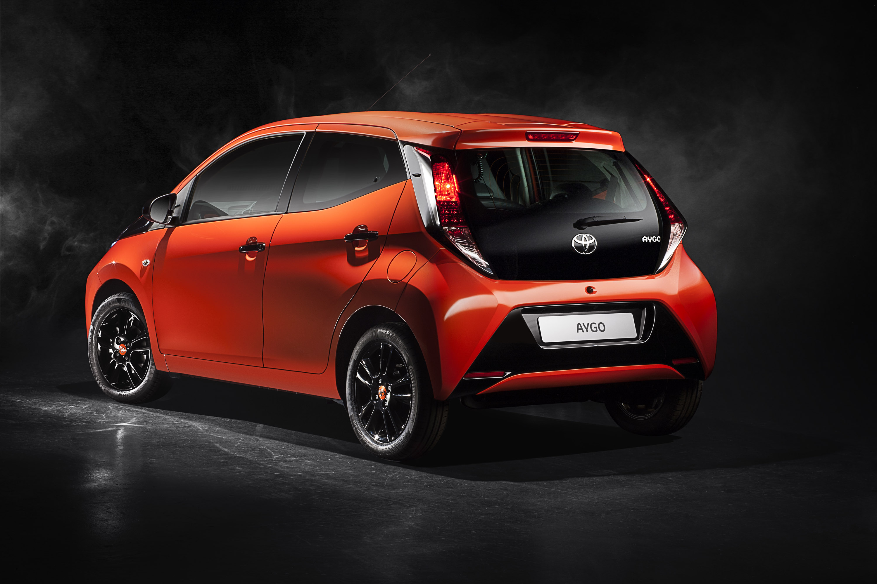 2015 toyota aygo hd pictures. Black Bedroom Furniture Sets. Home Design Ideas
