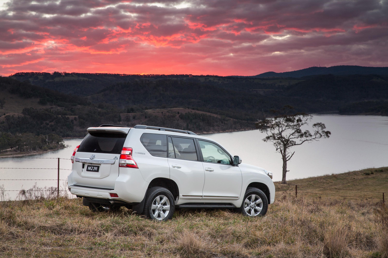 2015 Toyota Land Cruiser Prado - HD Pictures ...