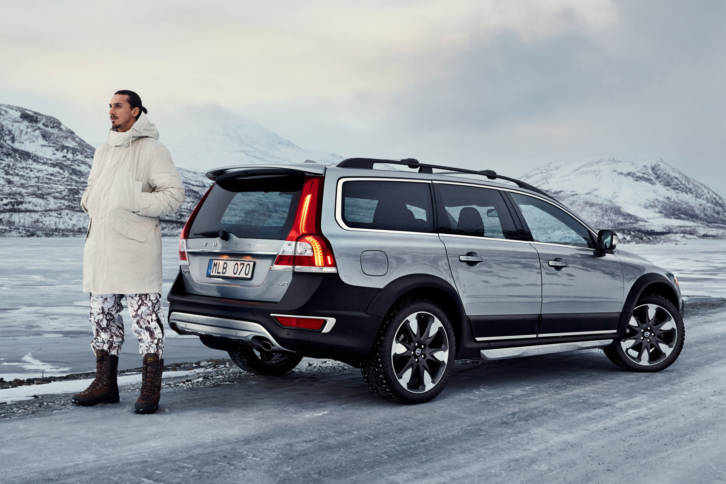 2015 volvo xc70 hd pictures. Black Bedroom Furniture Sets. Home Design Ideas