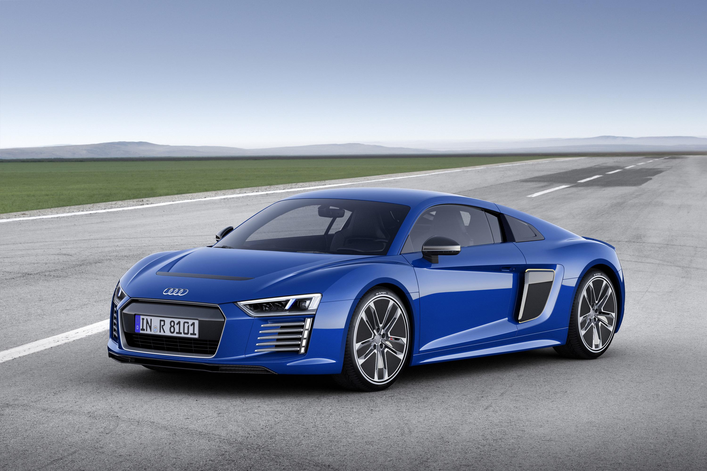 Audi R8 e-tron photo #1
