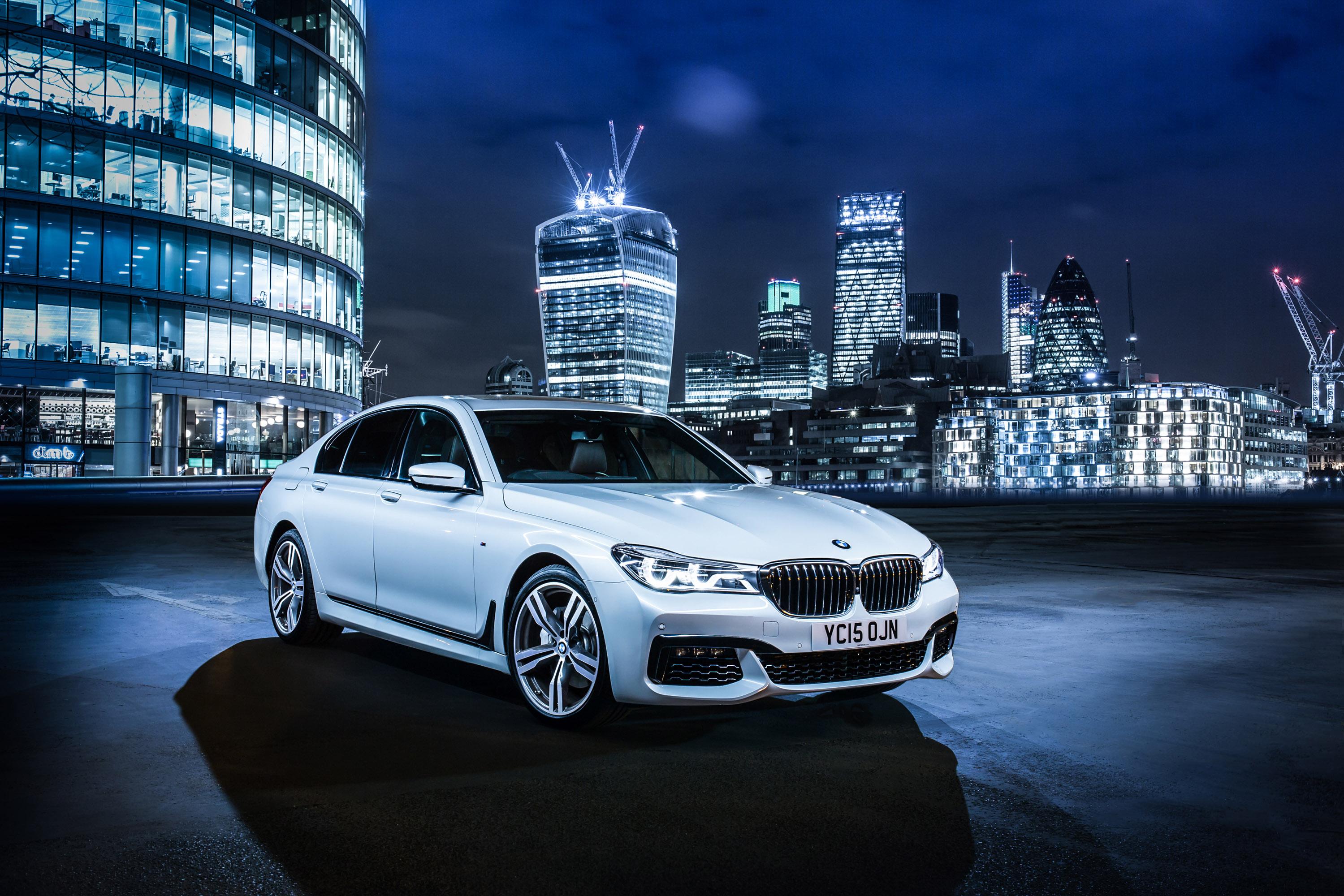 BMW 7-Series UK-Version photo #1