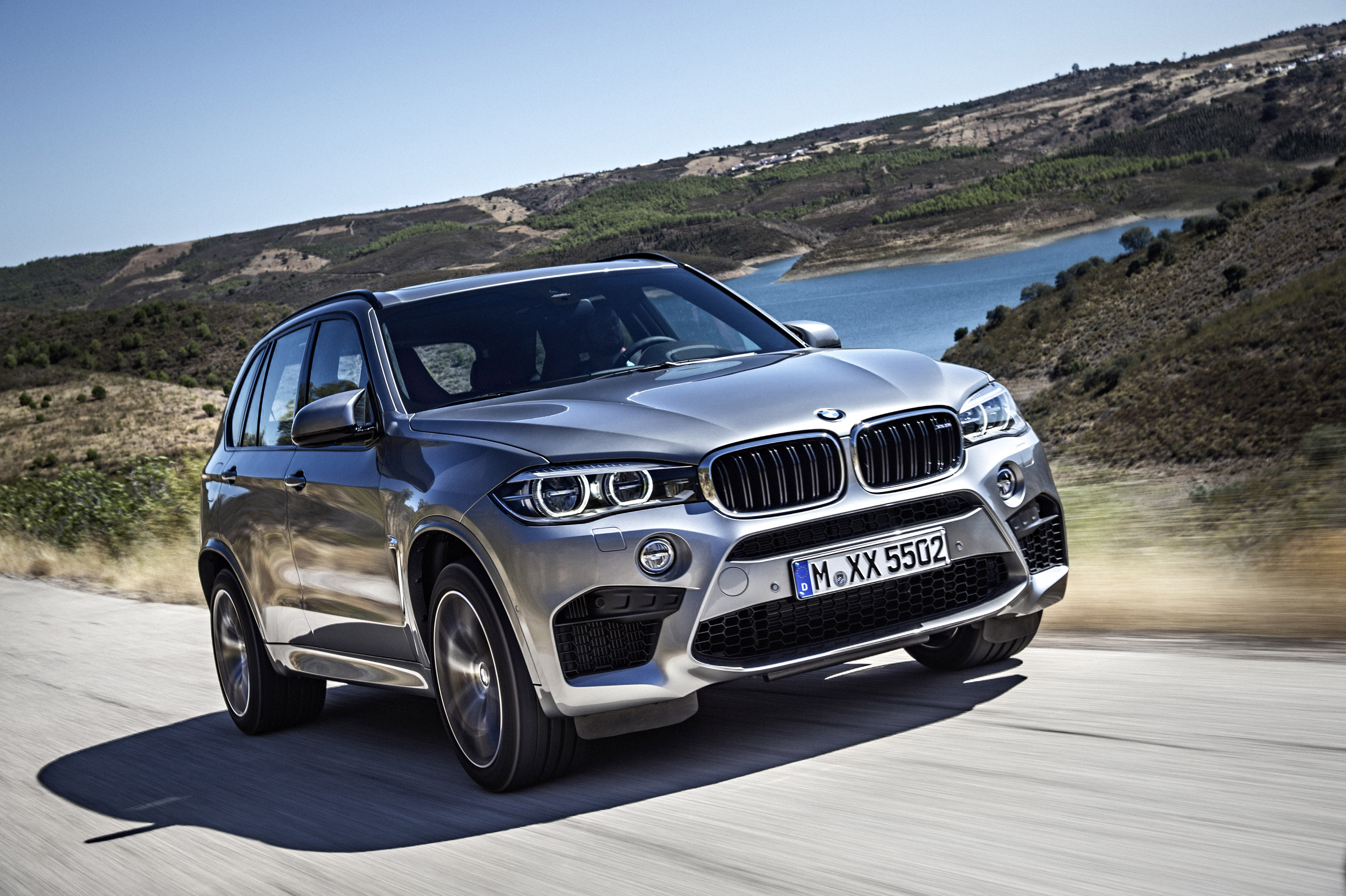 updates highres looks for hitch news fresh tech xdriv new bmw auto with driving the