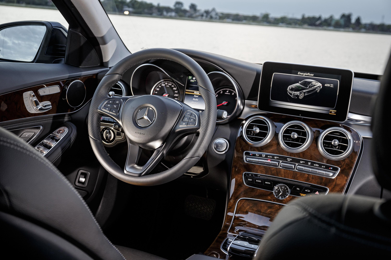 https://www.carsinvasion.com/gallery/2016-mercedes-benz-c350-plug-in-hybrid-estate/2016-mercedes-benz-c350-plug-in-hybrid-estate-12.jpg