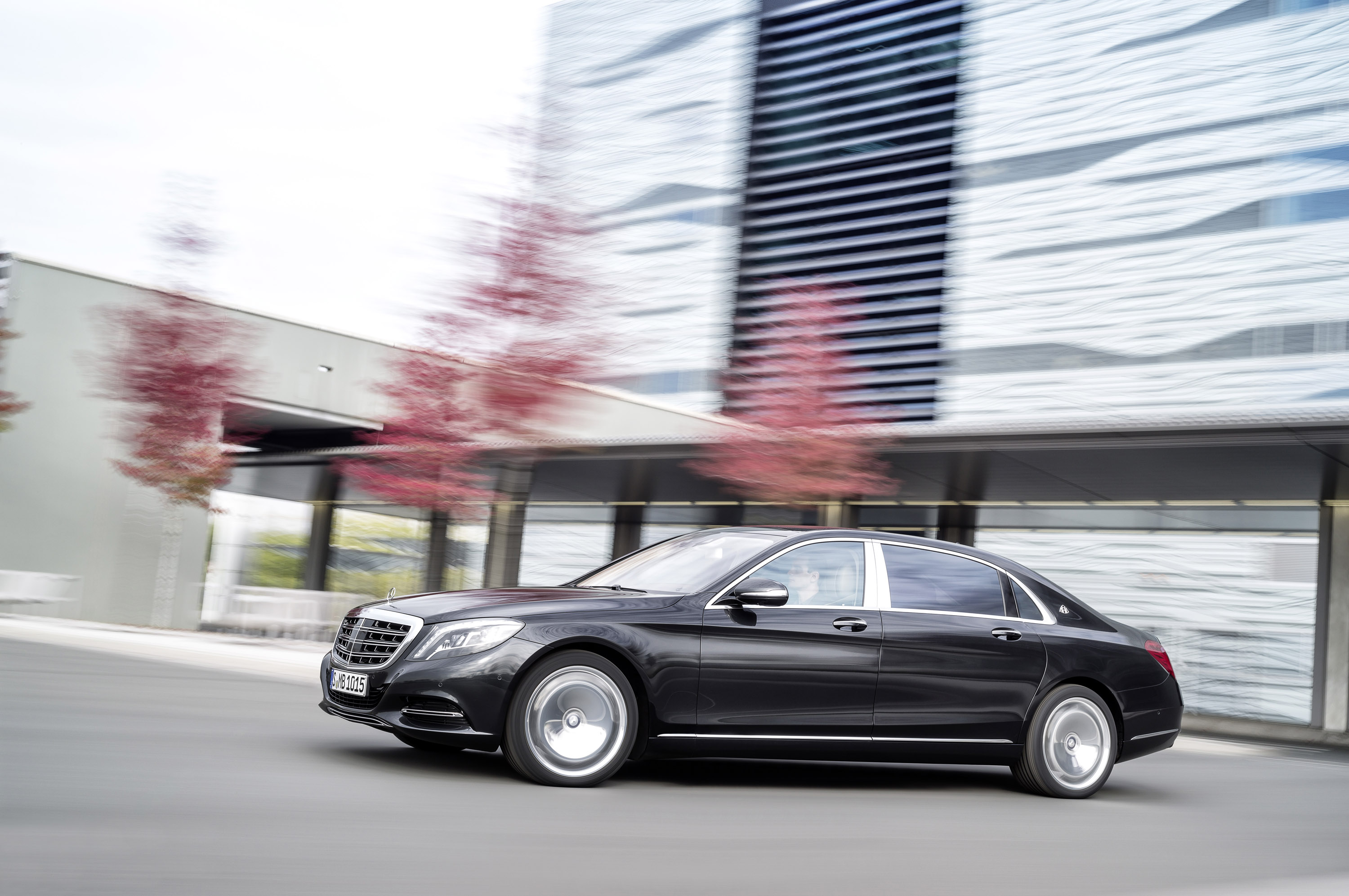 2016 mercedes benz s class maybach hd pictures for Mercedes benz s550 maybach