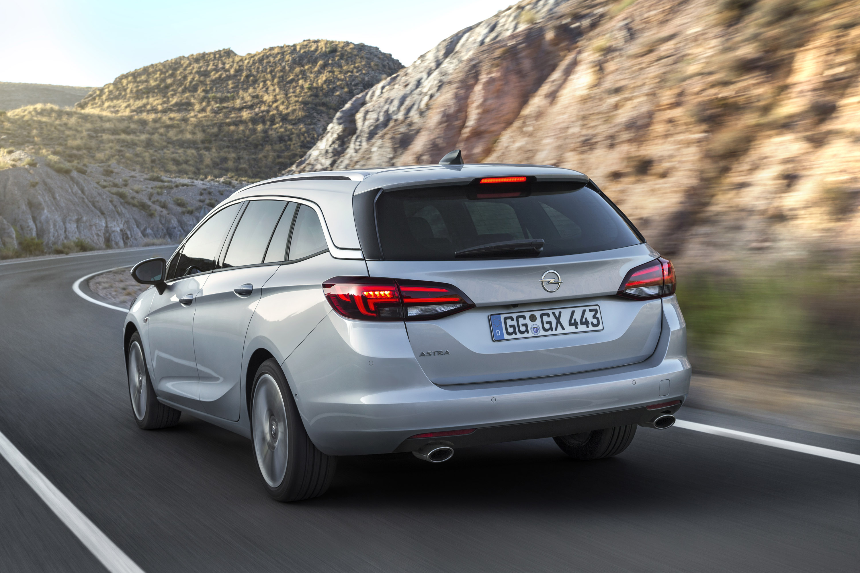 2016 Opel Astra Sports Tourer Hd Pictures Carsinvasion Com