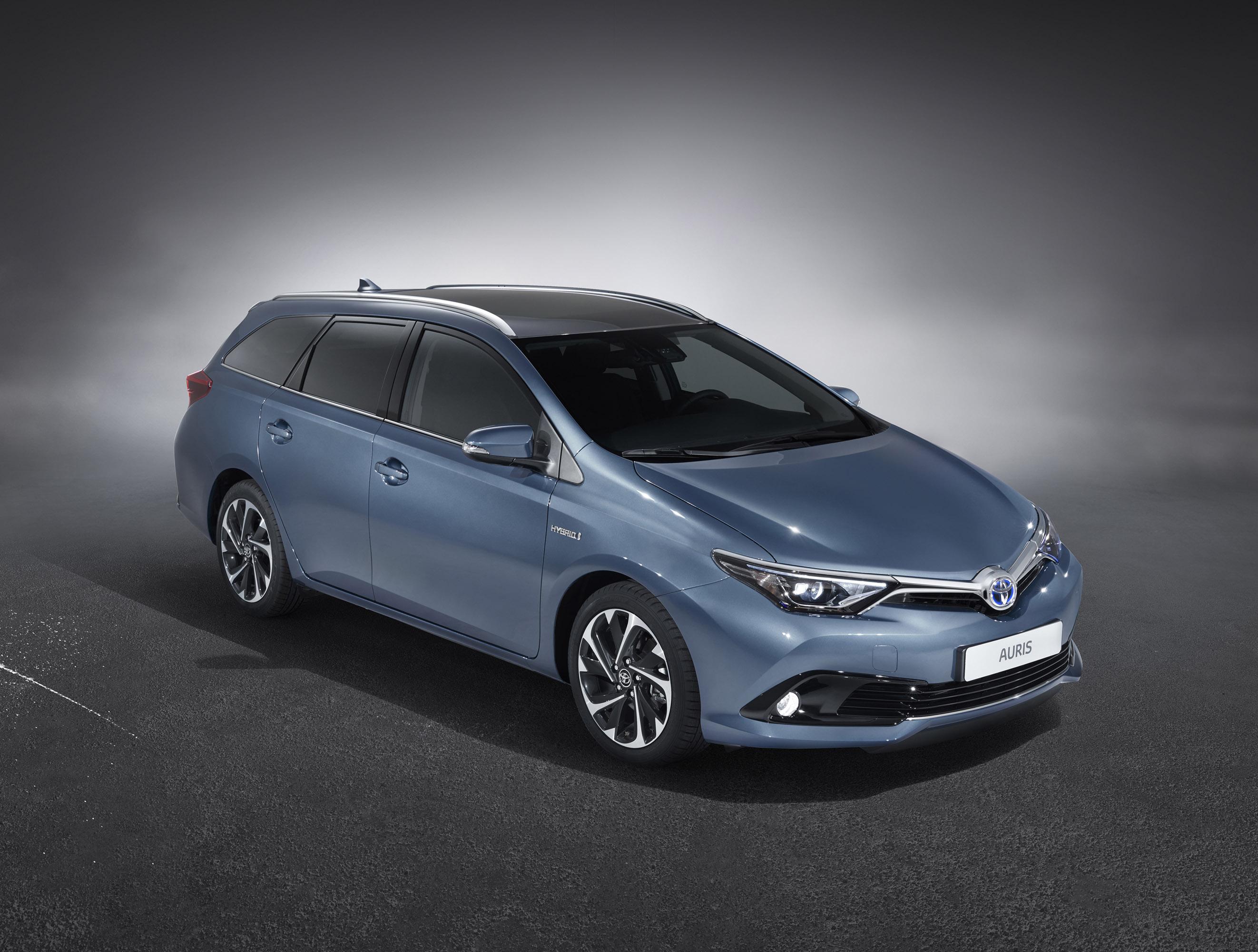 Toyota auris полностью обновится в 2016 году