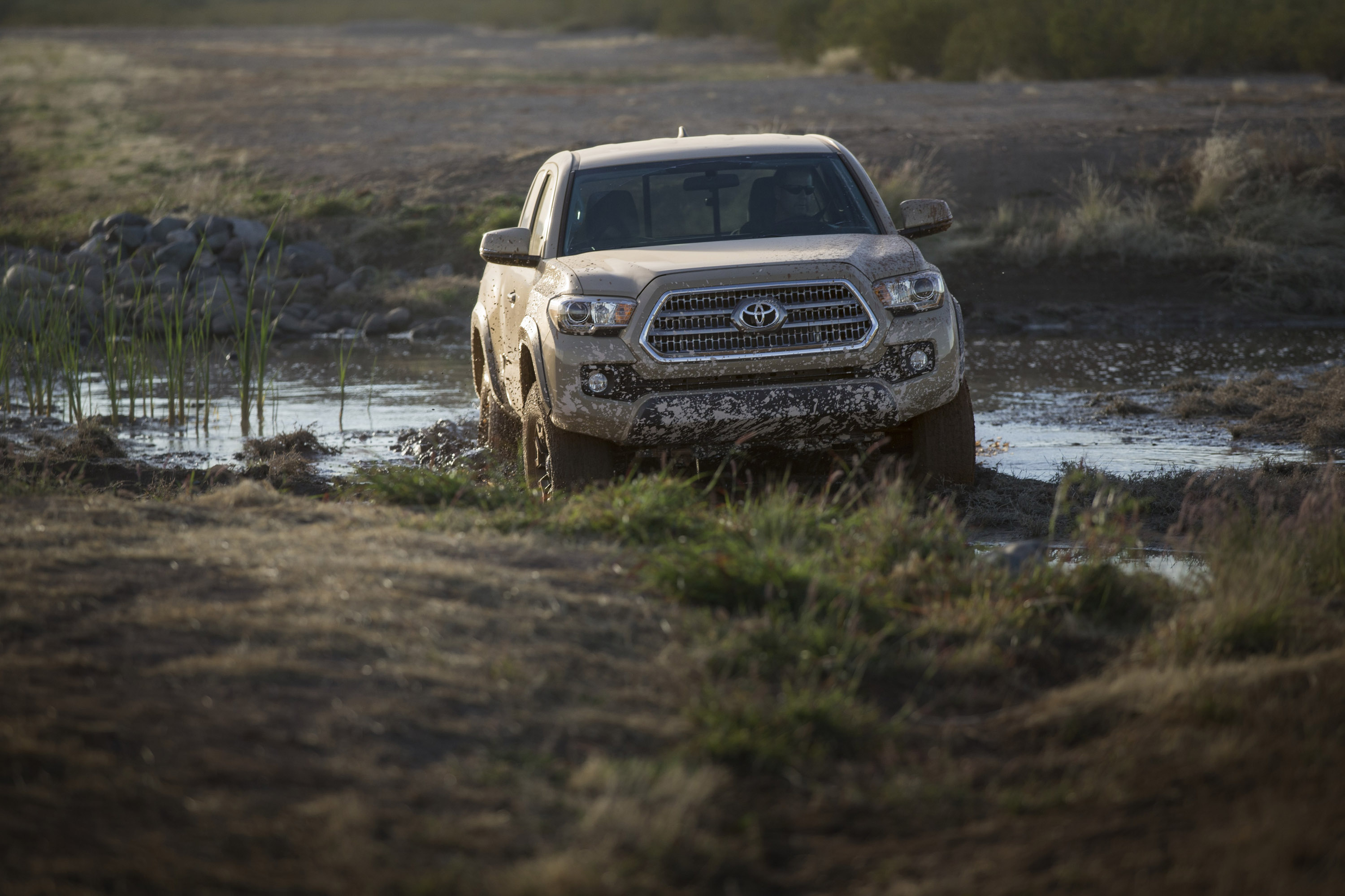 2016 toyota tacoma trd off road hd pictures. Black Bedroom Furniture Sets. Home Design Ideas