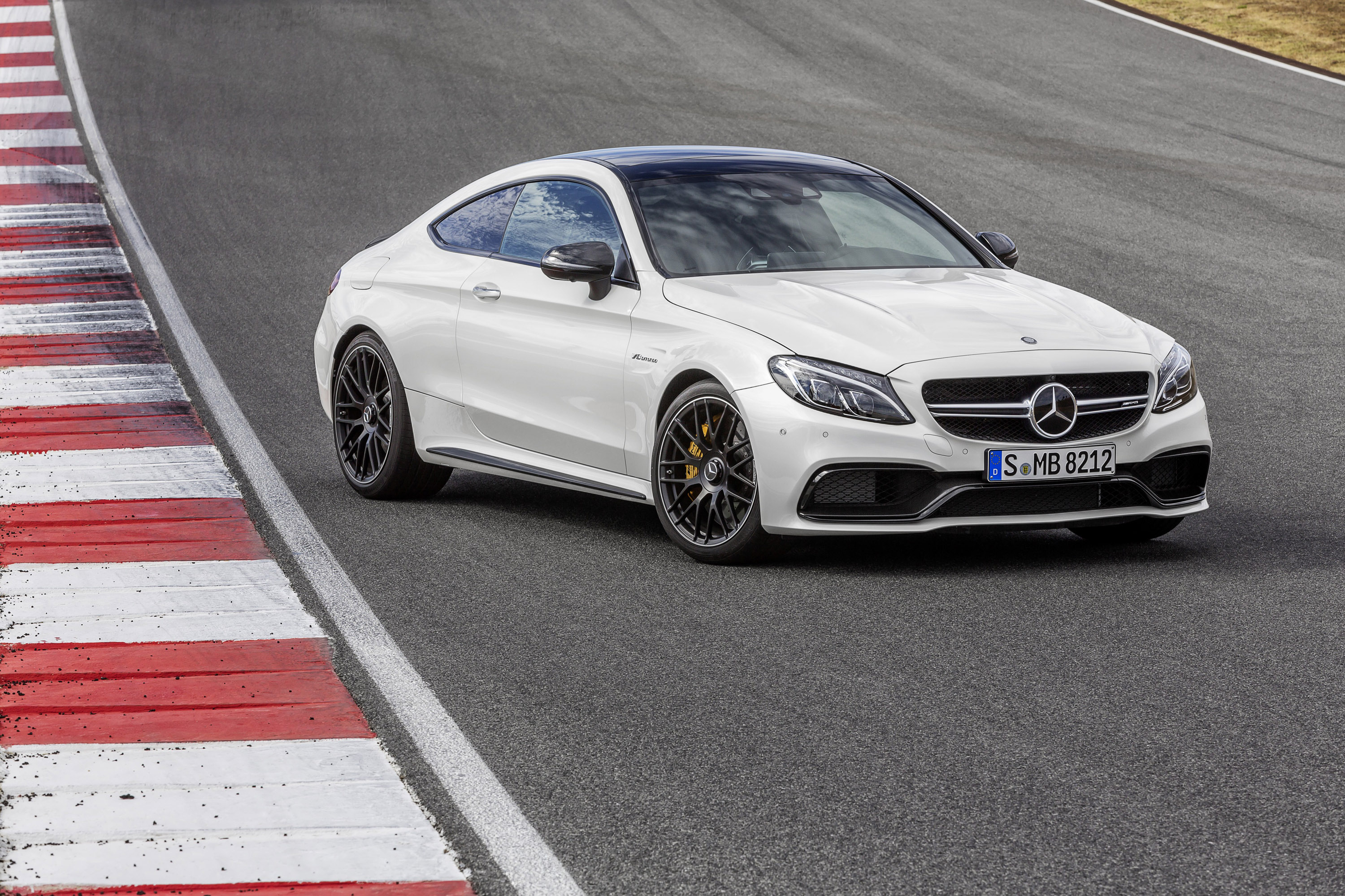 Mercedes-Benz C63 AMG Coupe photo #1