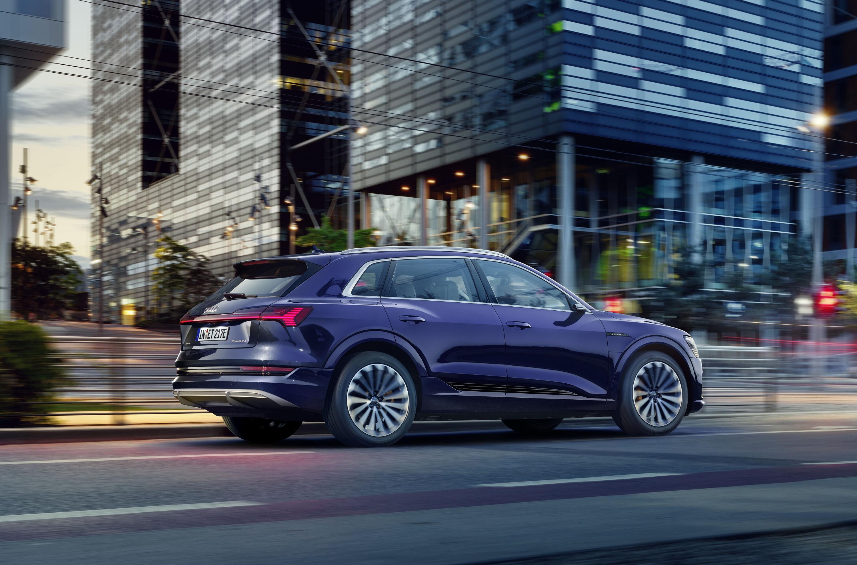 Audi e-tron photo #15