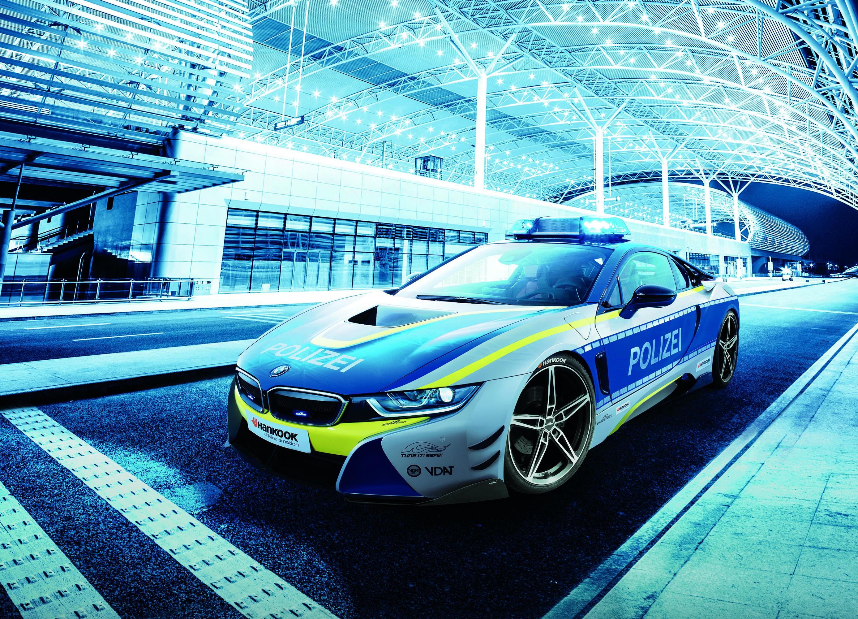 BMW i8 Police photo #1
