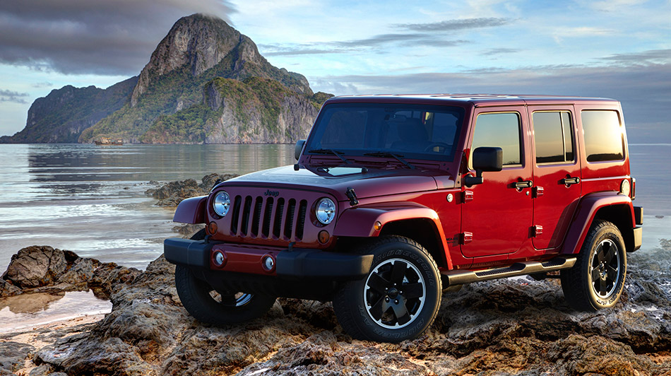 2012 Jeep Wrangler Unlimited Altitude Front Angle