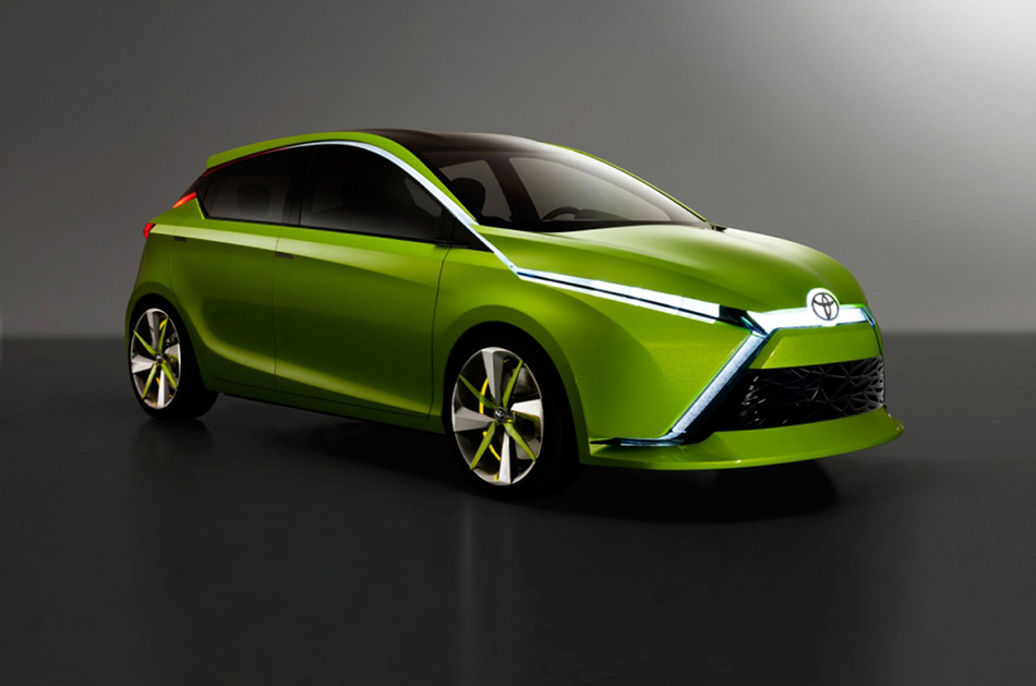 2012 Toyota Dear Qin Concept Front Angle