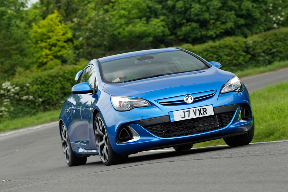 2012 Vauxhall Astra OPC-VXR Front Angle