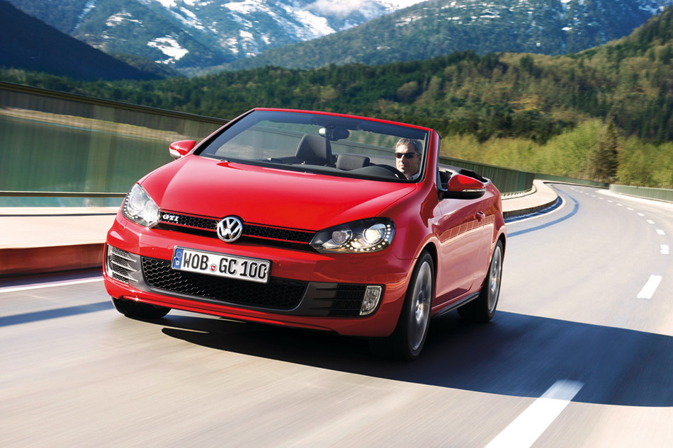 2012 Volkswagen Golf GTI Cabriolet Front Angle