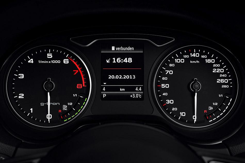 2013 Audi A3 Sportback g-tron Display