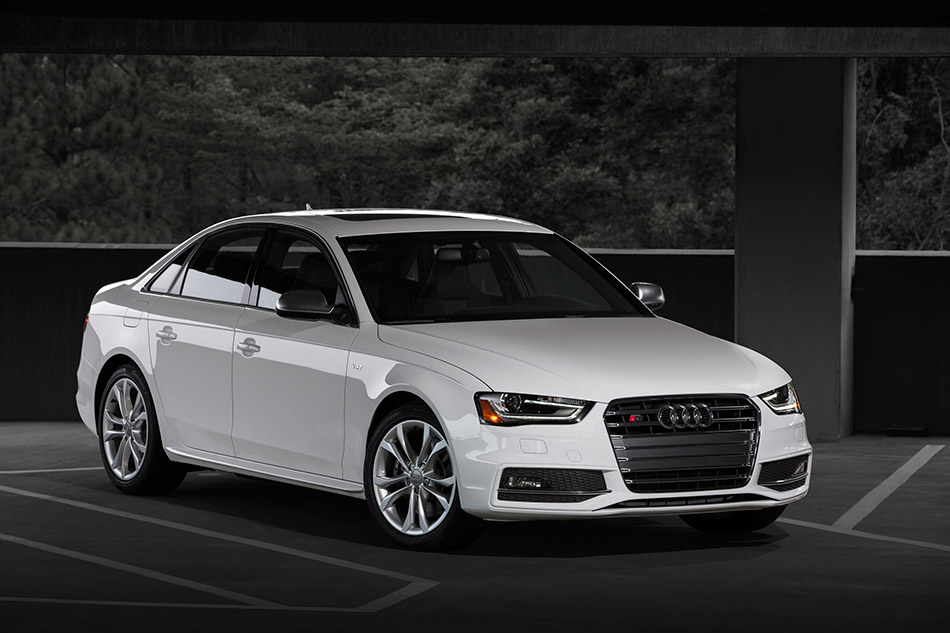 2013 Audi A4 S4 Allroad Front Angle