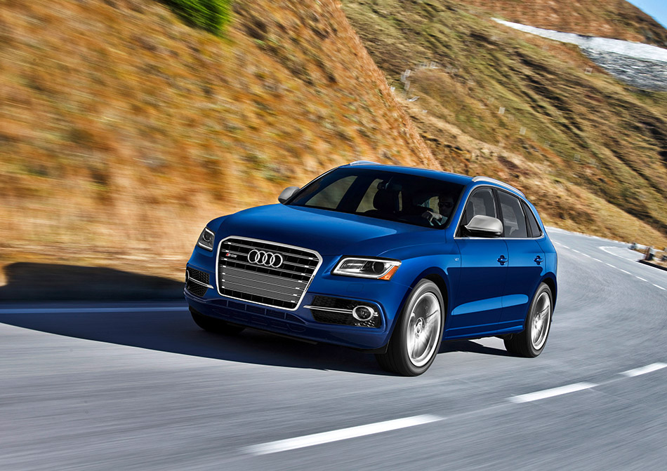 2013 Audi SQ5 TDI Front Angle