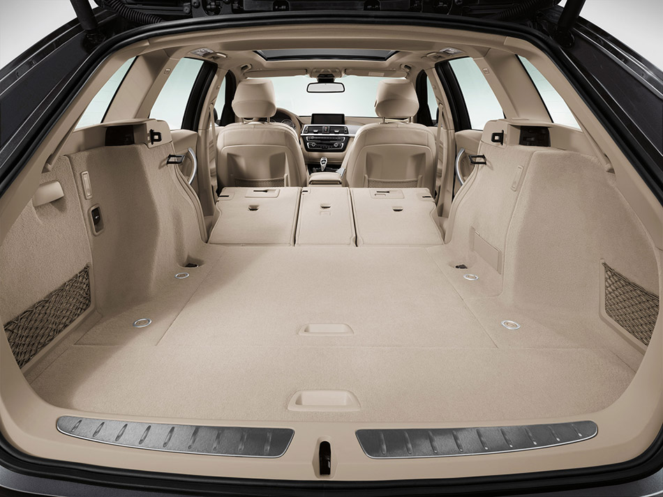 2013 BMW 3-Series Touring Space
