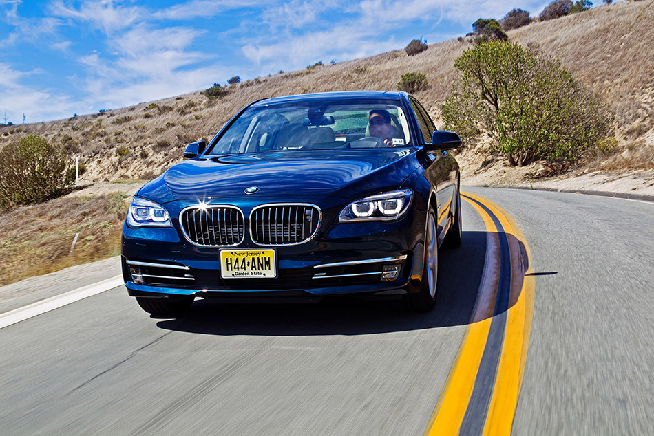 2013 BMW 7-Series Front Angle