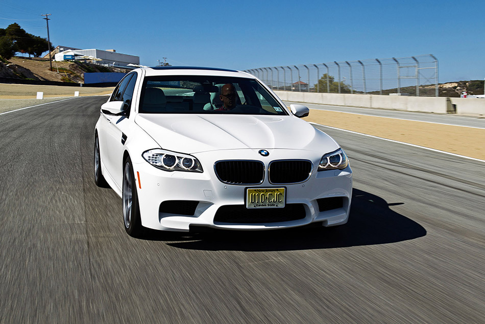 2013 BMW M5 Front Angle