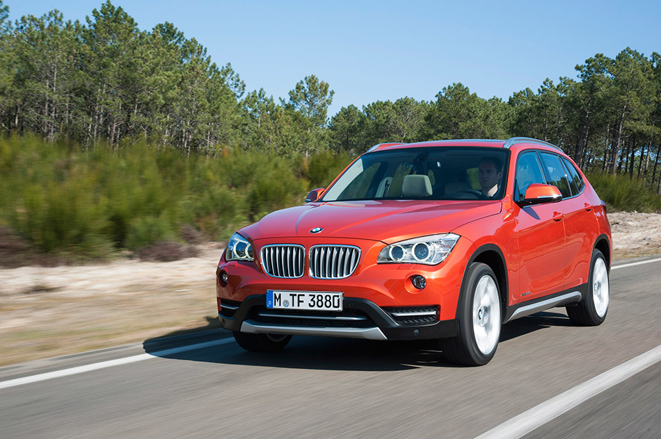 2013 BMW X1 Front Angle