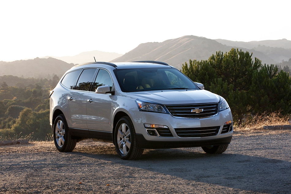 2013 Chevrolet Traverse Front Angle