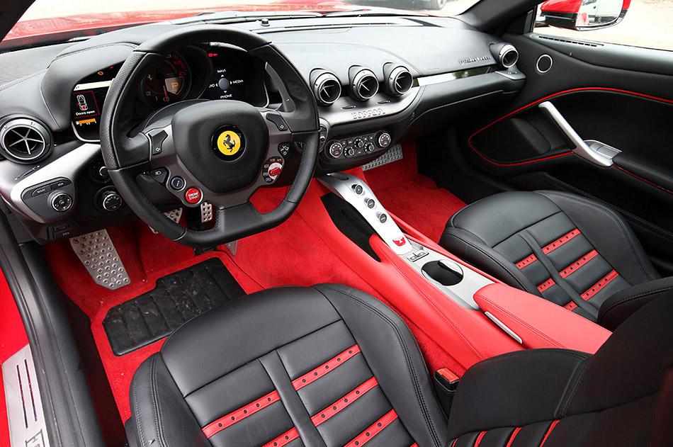2013-Ferrari-F12-Berlinetta-Interior