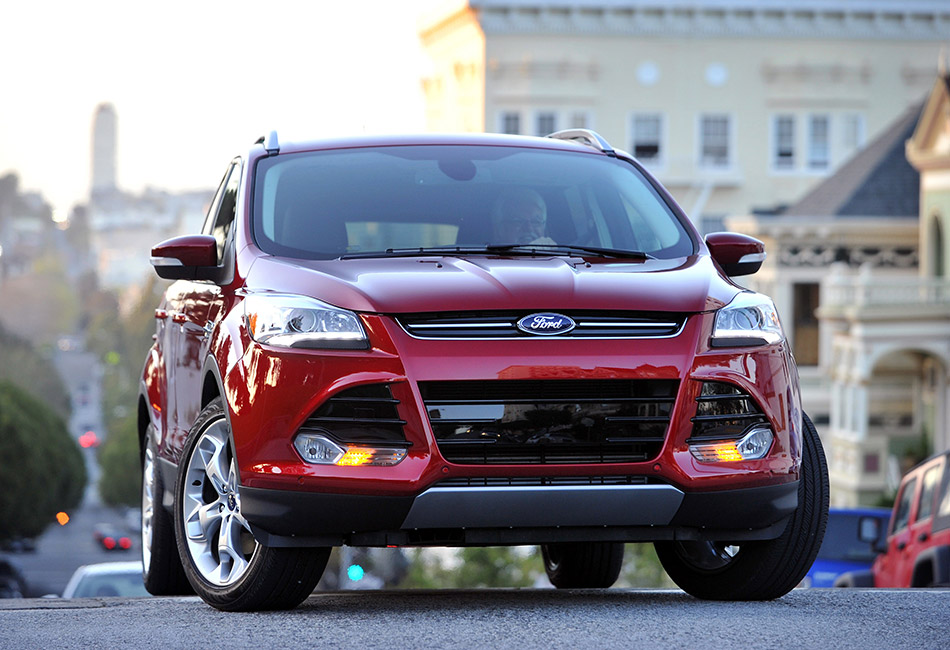 2013 Ford Escape Front Angle
