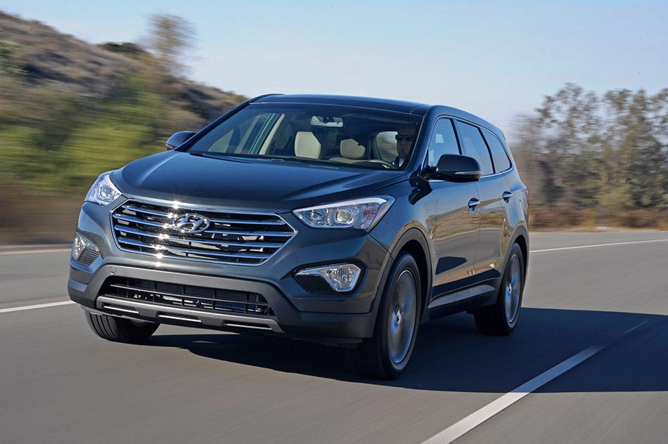 2013 Hyundai Santa Fe LWB Front Angle
