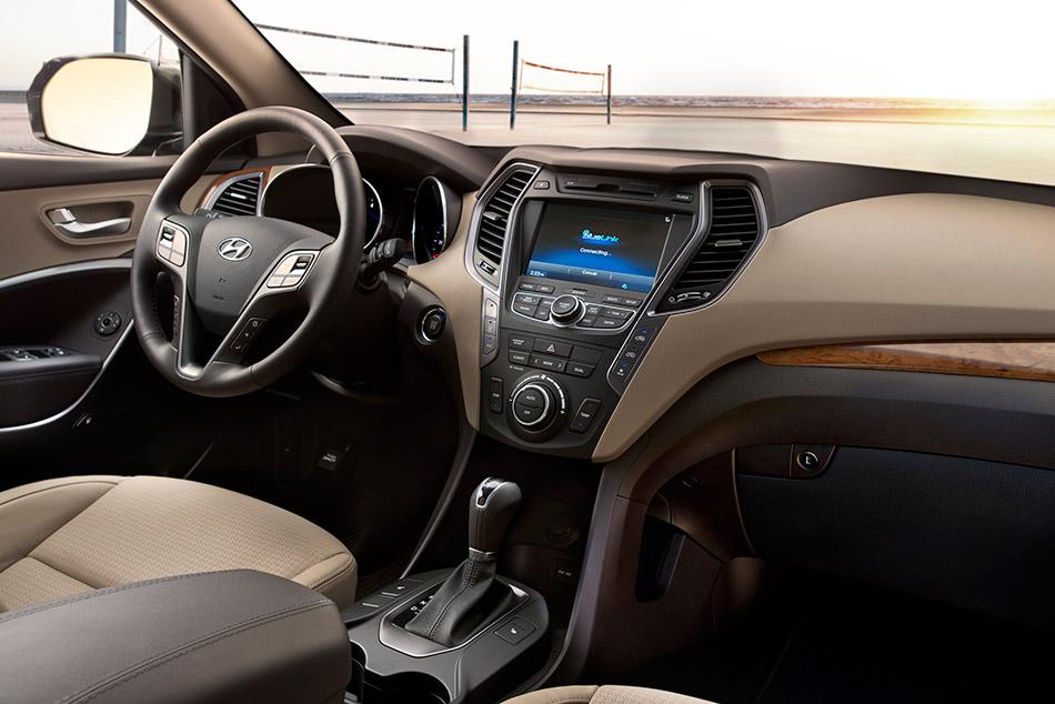 2013 Hyundai Santa Fe LWB Interior