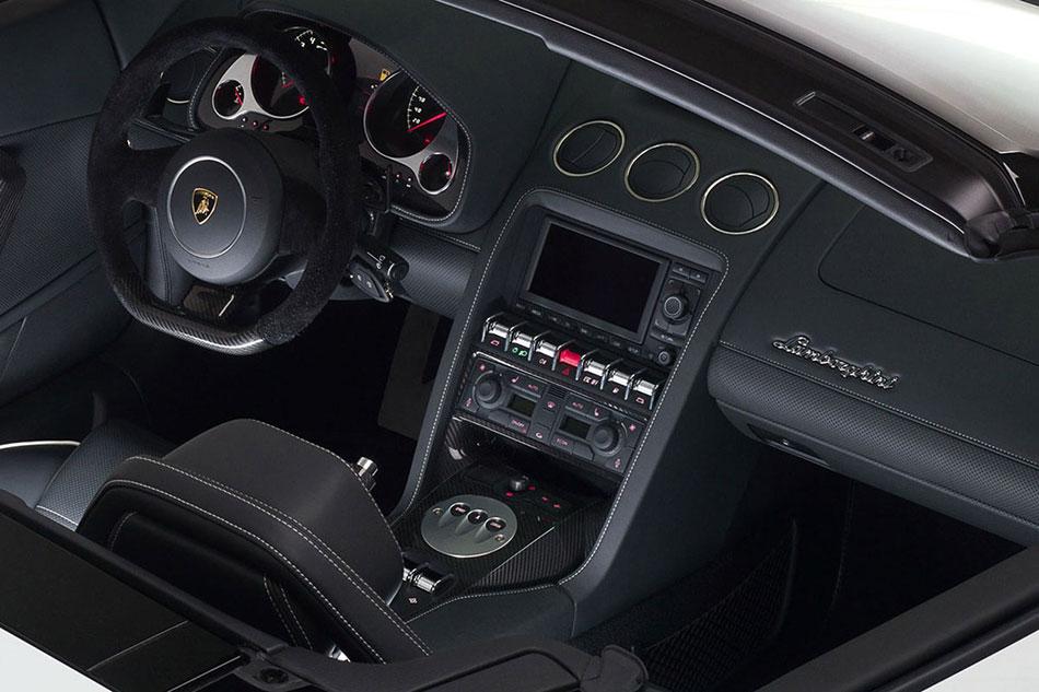 2013 Lamborghini Gallardo Interior