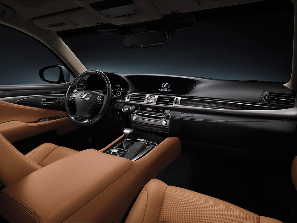 2013 Lexus LS Interior
