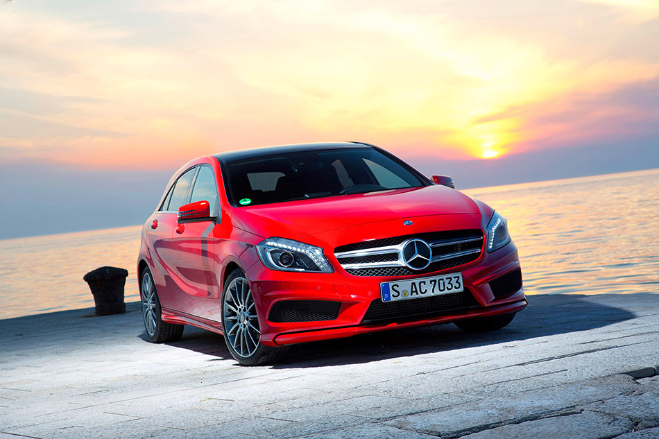 2013 Mercedes A-Class Front Angle