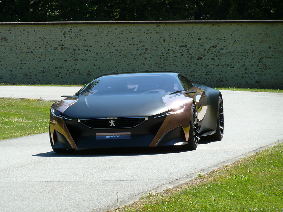 2013 Peugeot Onyx Concept Front Angle