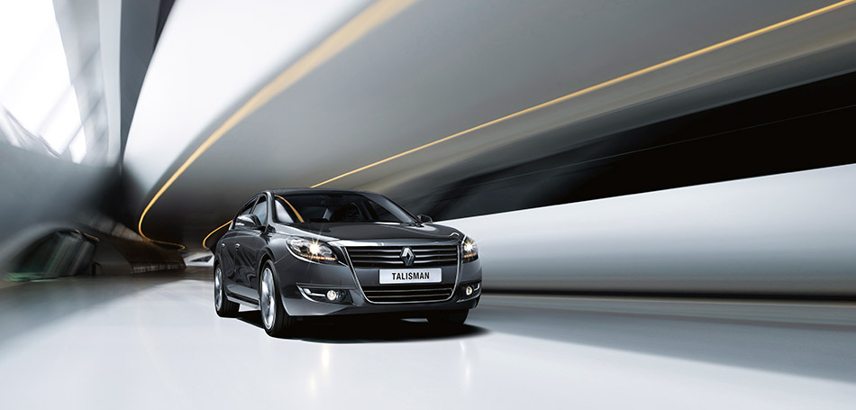 2013 Renault Talisman Front Angle