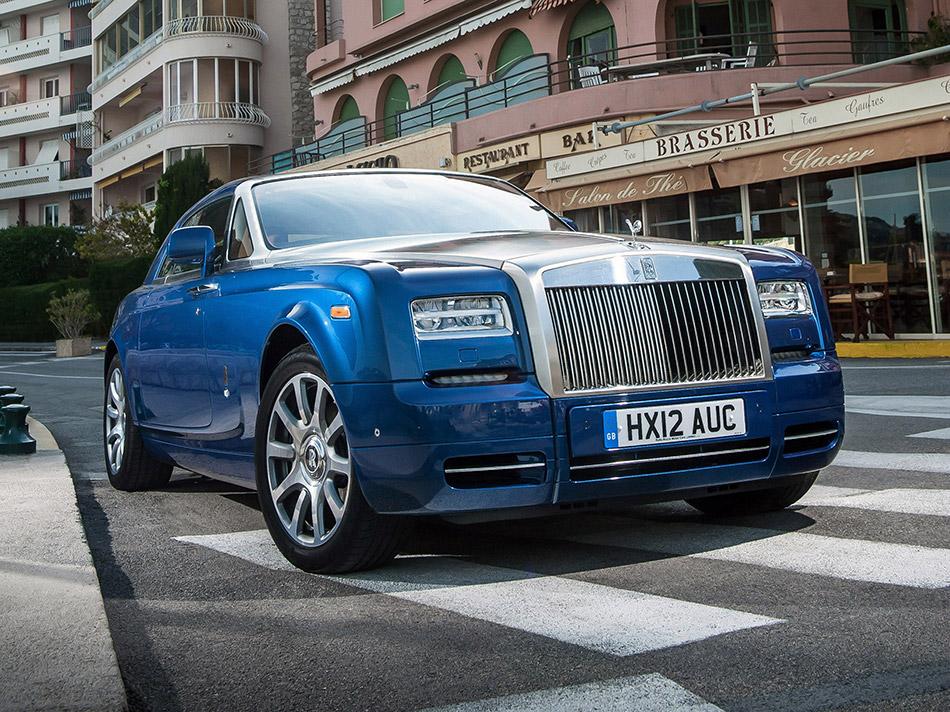 2013 Rolls-Royce Phantom Series II Front Angle