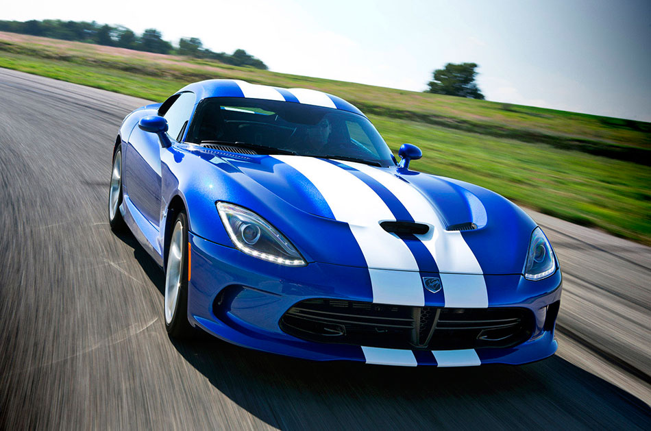 2013 SRT Viper GTS Front Angle