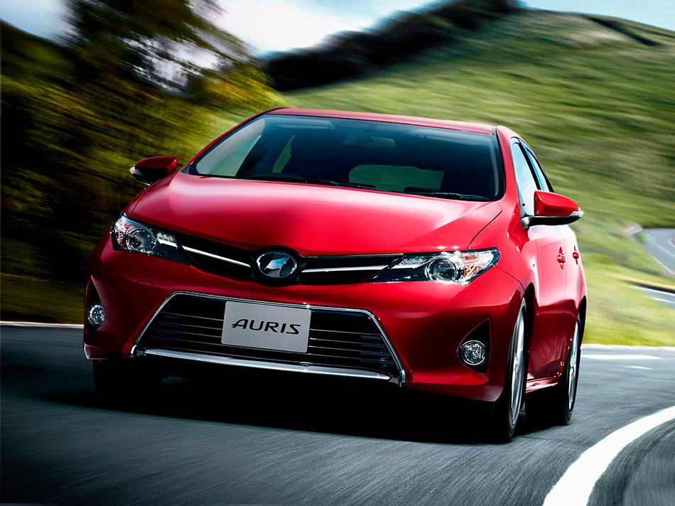 2013 Toyota Auris Front