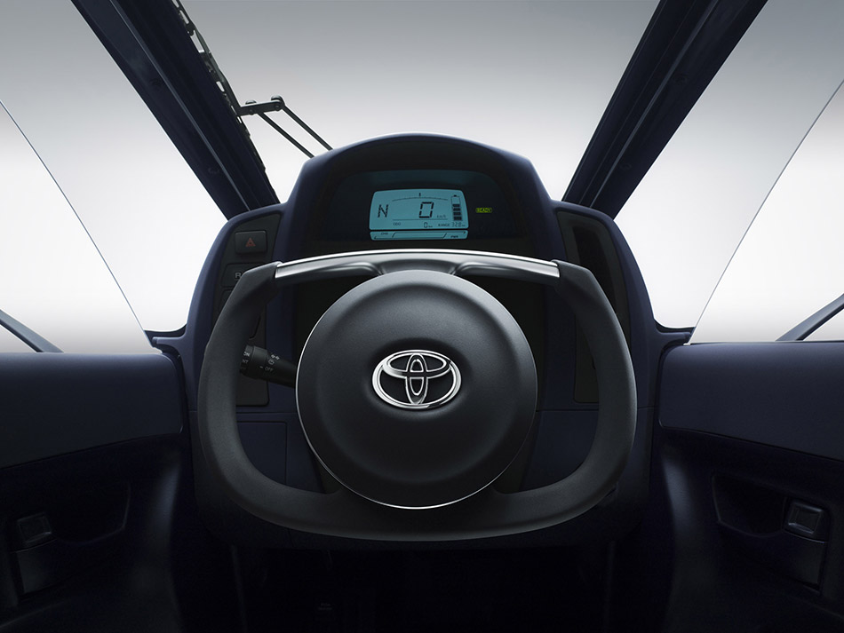 2013 Toyota i-ROAD Concept Interior