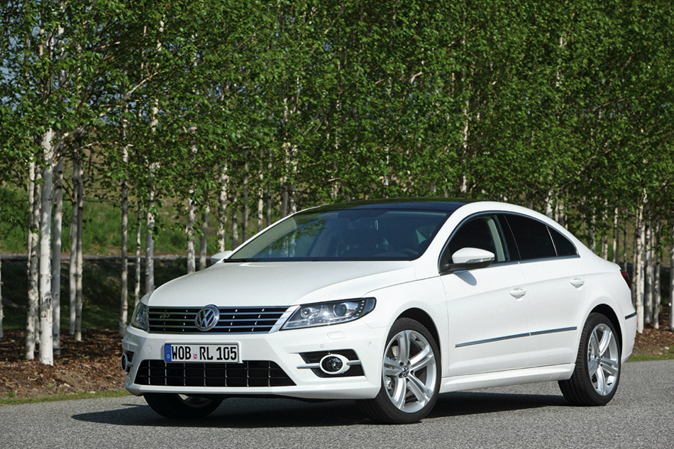2013 Volkswagen CC R-Line Front Angle