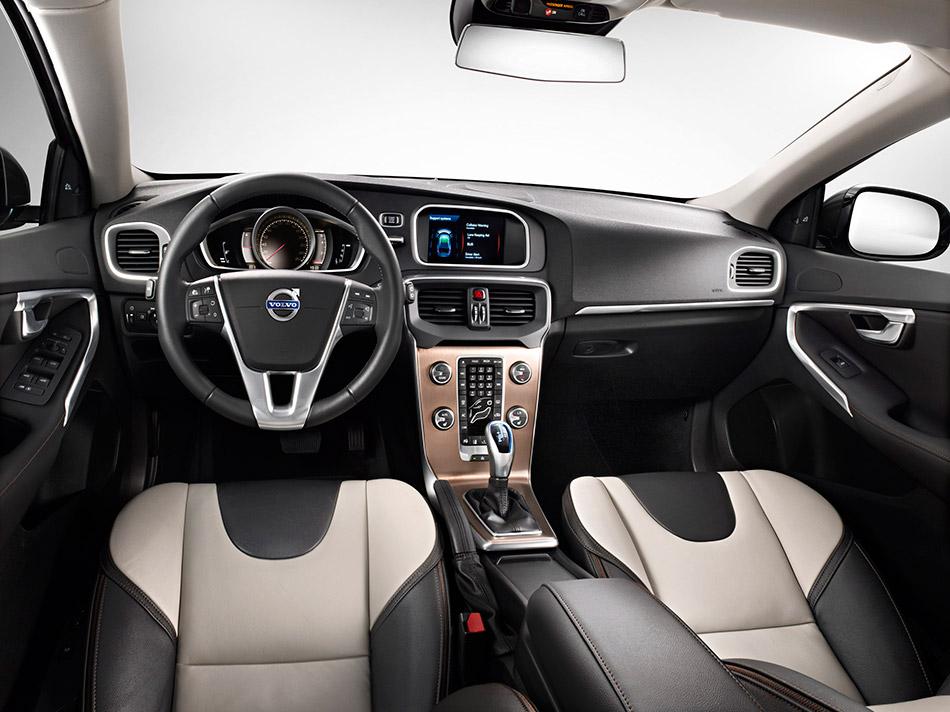 2013 Volvo V40 Cross Country Interior