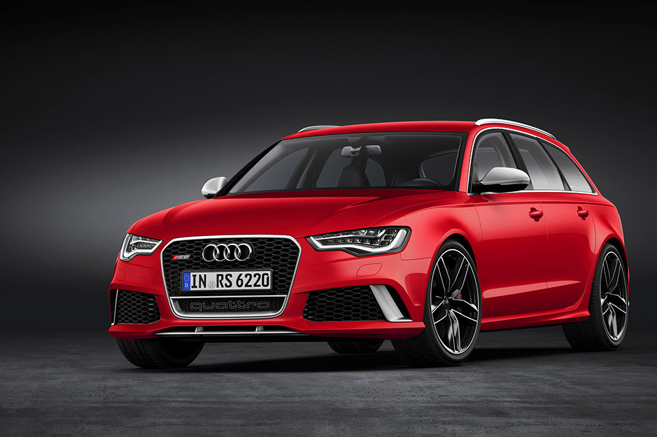 2014 Audi RS 6 Avant Front Angle