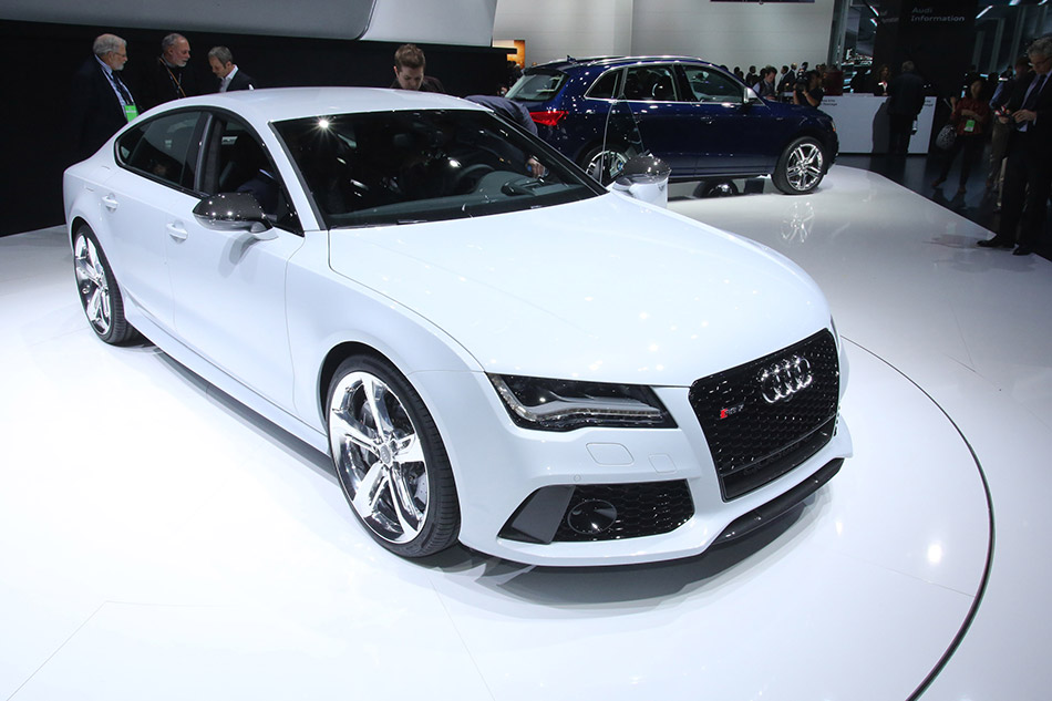 2014 Audi RS7 Front Angle