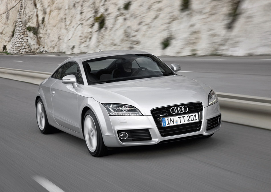 2014 Audi TT Coupe-Roadster Front Angle