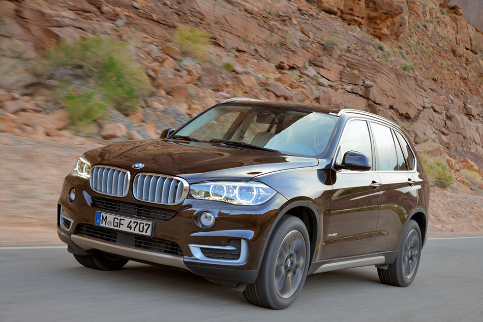 2014 BMW X5 Front Angle