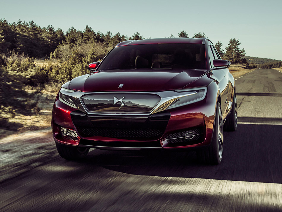2014 Citroen DS Wild Rubis Concept Front Angle