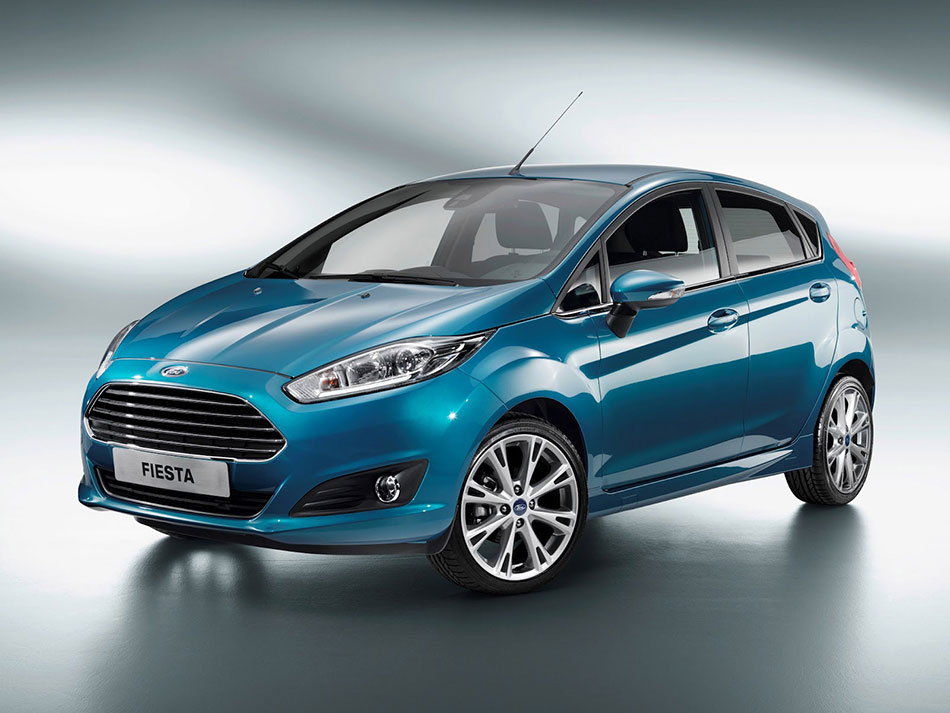 2014 Ford Fiesta Front Angle