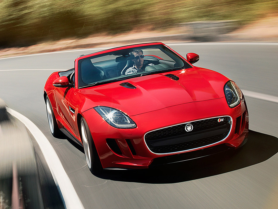2014 Jaguar F-Type Front Angle